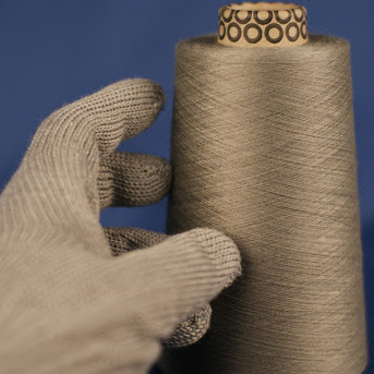 stainless-steel yarn and glove