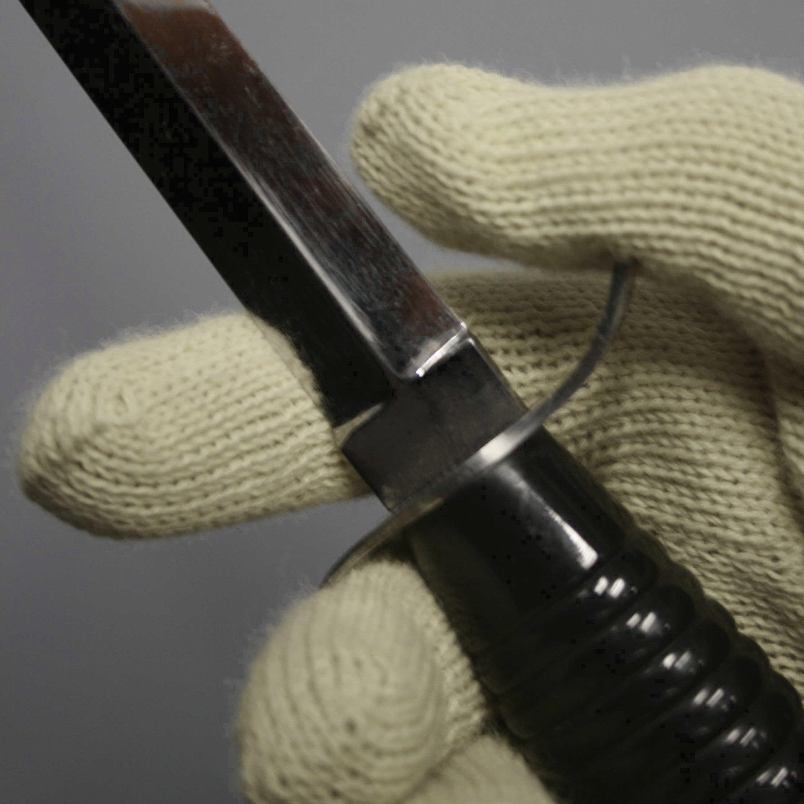 Vectran® cut resistant glove